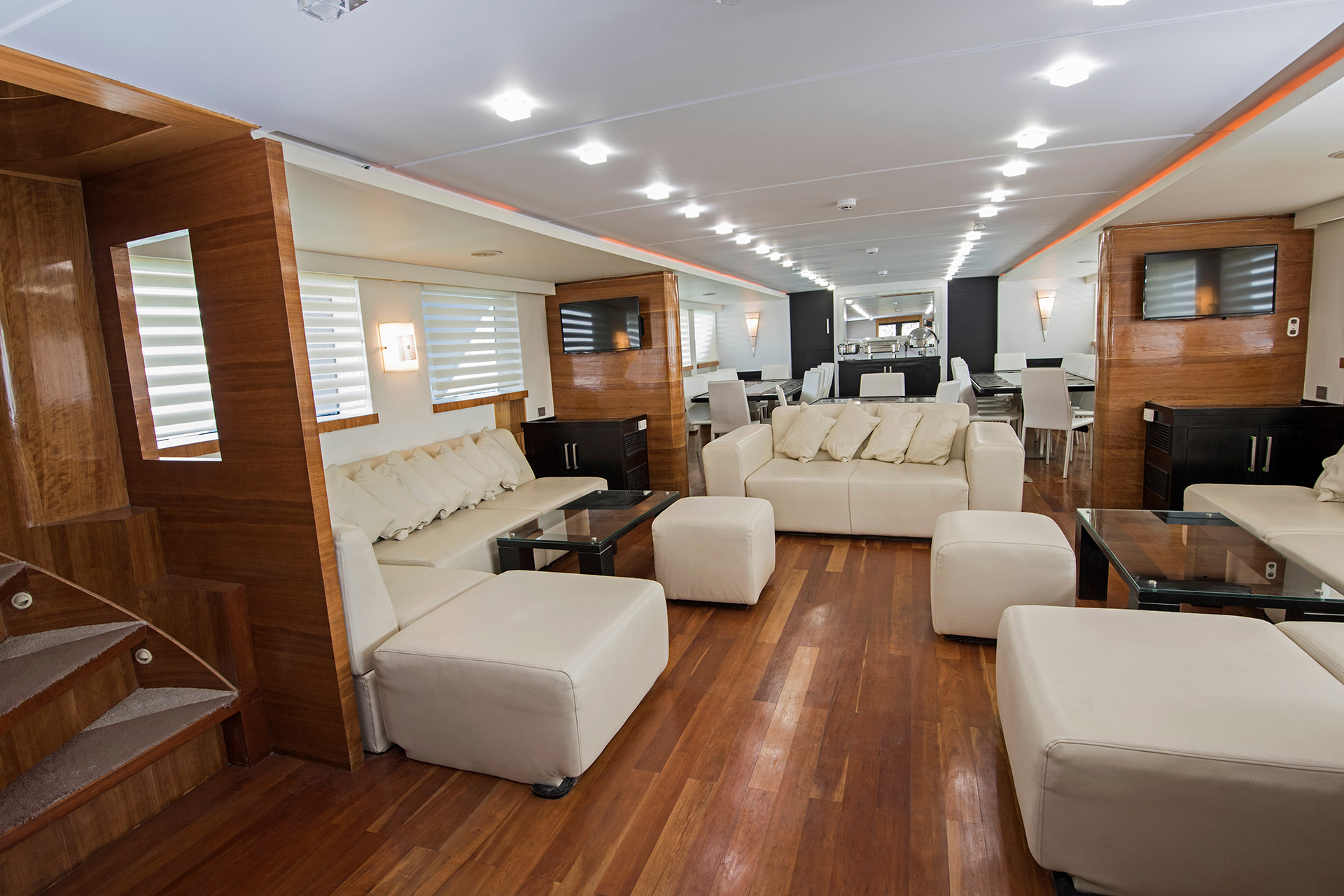 Interiors of ships and yachts, authentic and luxurious habitats